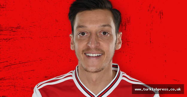 Arsenal's Ozil gives $101,000 for holy month aid drive