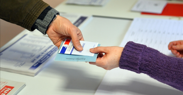 No change to status quo in French regional elections