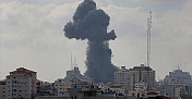 Israel resumes air strikes on Gaza after brief pause
